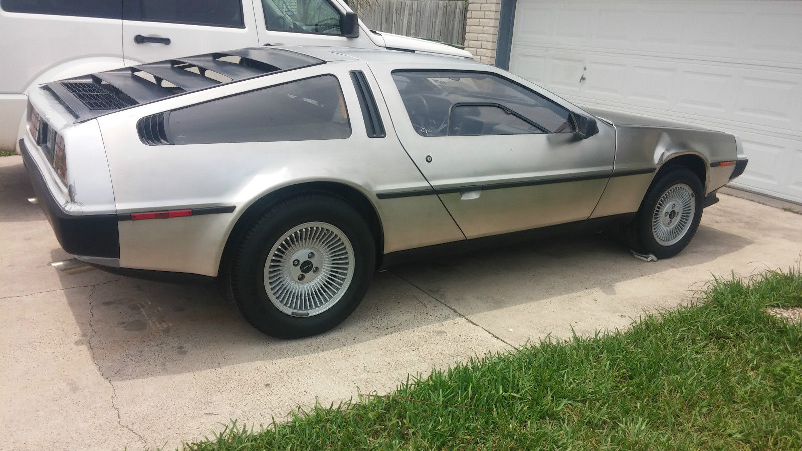 deloreans for sale the delorean owners club uk